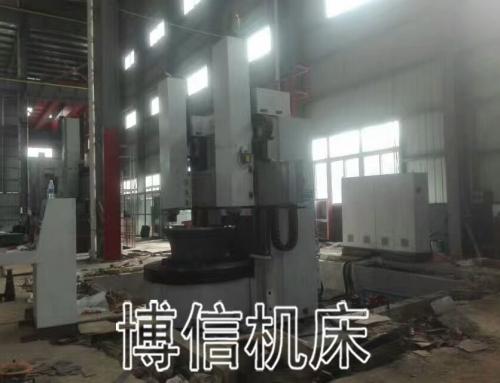 浙江嘉兴2.5米数控双柱立车调试中